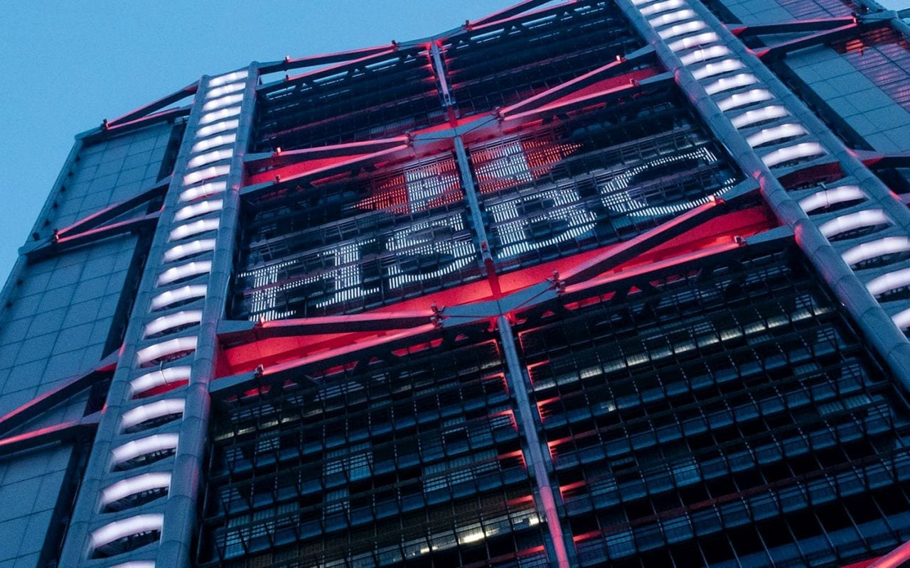 HSBC stock at lowest since 1995 on money laundering suspicions