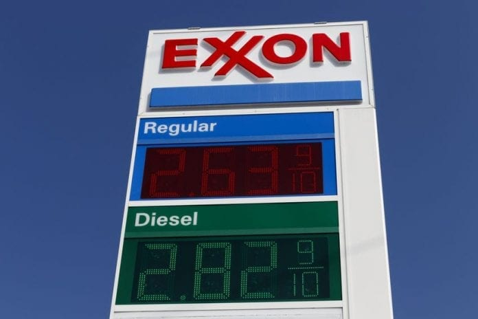 Exxon Mobil reports US$680m Q3 loss on low oil prices